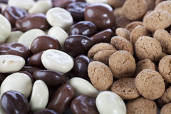 plain-chocolate-coverd-kruidnoten-20384809